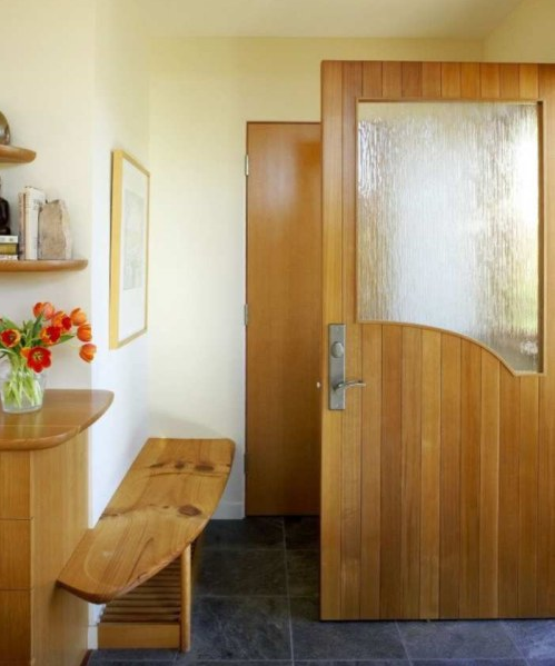дверь с вставкой из стекла