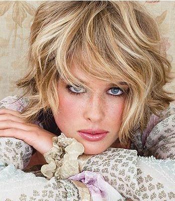 Стоит ли делать мелирование волос?